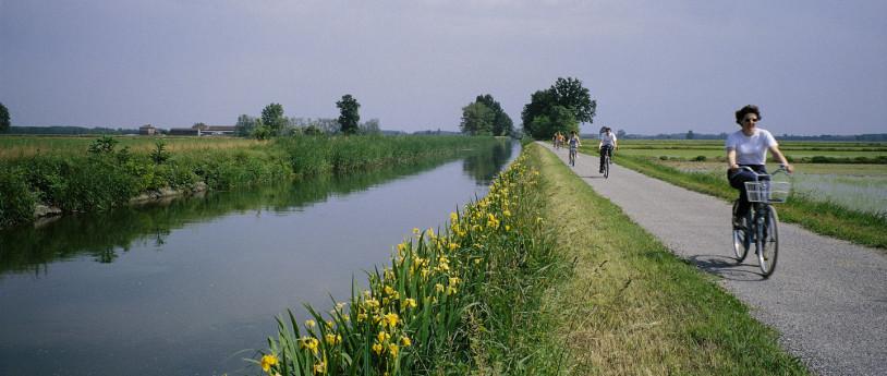 In bici lungo i Navigli