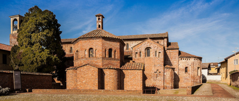 Lomello and its Christian buildings