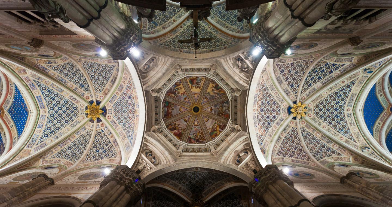 La cupola vista dall'interno della Certosa di Pavia.