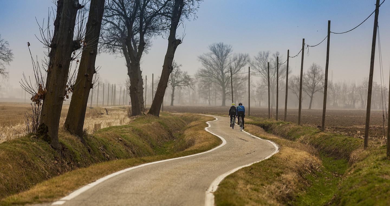 In the countryside between the Naviglio Grande and the Naviglio di Bereguardo