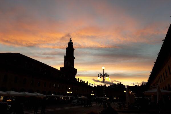 Piazza Ducale al tramonto