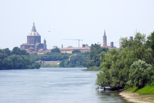 Pavia, vista dalla Panchina Gigante n114 Travacò foto di Karen CR